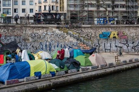 Difficiles conditions de vie près du Canal Saint Martin